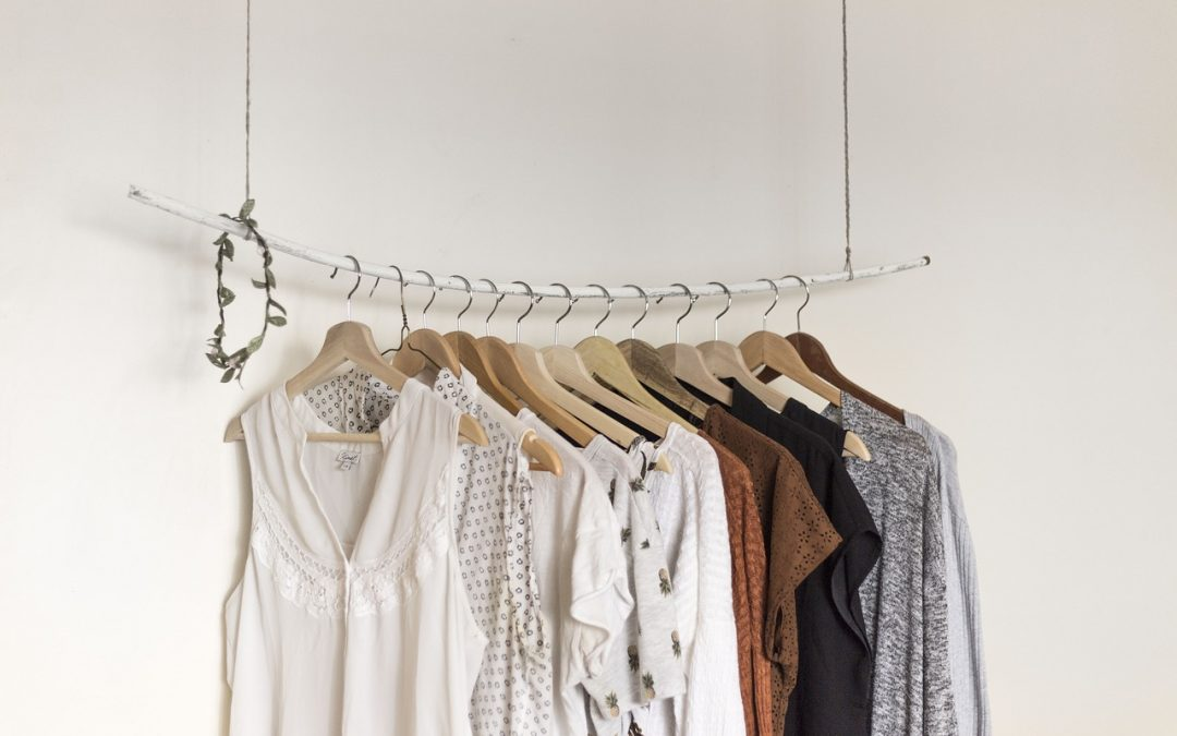 7 Reasons Why Minimalists Shop Used Clothing Stores