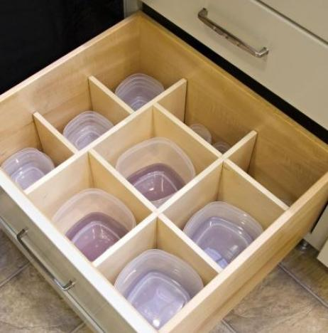 These containers are organized in the sliding drawer.