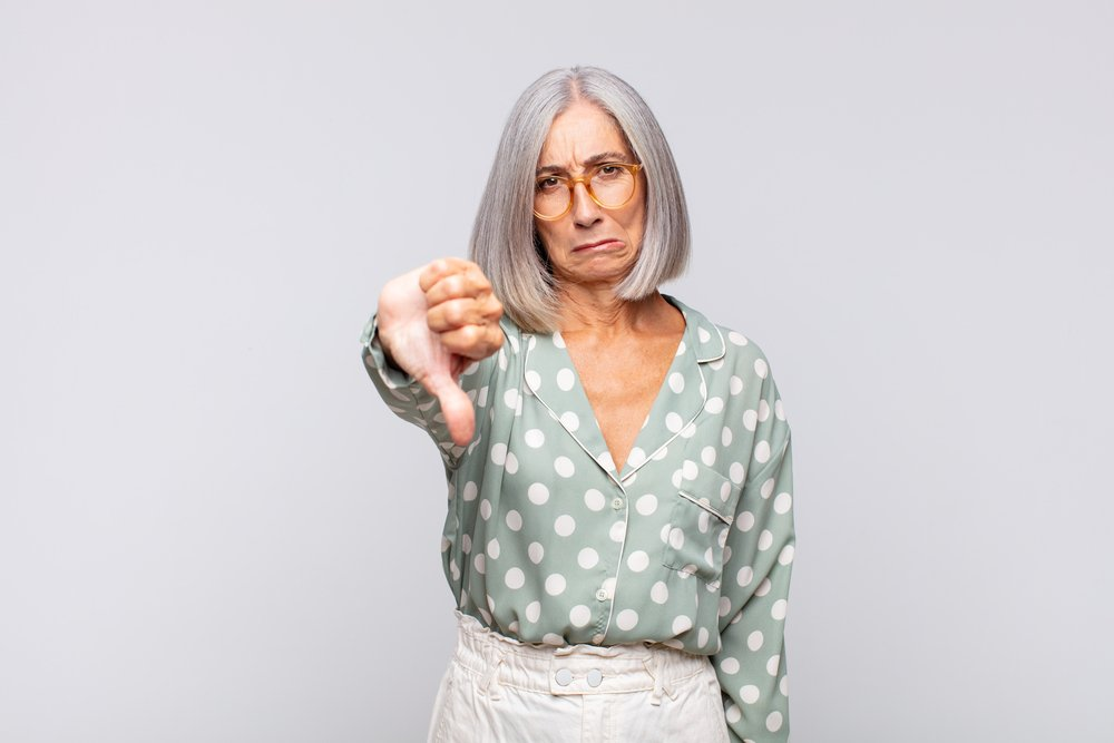 5 Fashion Mistakes That Make Grey Hair Look Dull