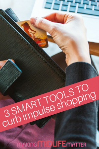 Do you get distracted while shopping for others or end up breaking the bank on gifts for yourself? Use these 3 high tech tools to curb impulse shopping. #savemoney #frugal #budget