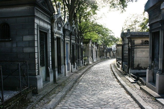 9 Haunted Places in Paris That Ghost Lovers Should Visit