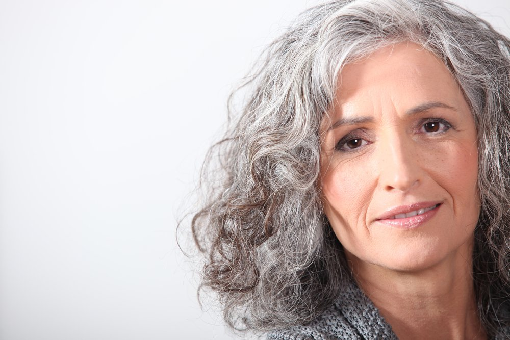 9 Ways To Calm Grey Hair Frizz